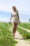 θερινό περπάτημα Στοκ φωτογραφία με δικαίωμα ελεύθερης χρήσης