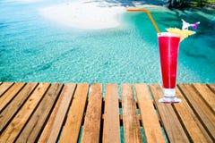 Θερινό ποτό από την παραλία Στοκ Φωτογραφία