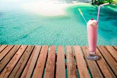 Θερινό ποτό από την παραλία Στοκ Εικόνα