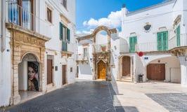 Θερινό πρωί στη Martina Franca, επαρχία του Taranto, Apulia, νότια Ιταλία Στοκ Φωτογραφίες