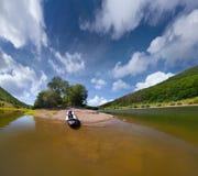 θερινό ταξίδι ποταμών Στοκ φωτογραφία με δικαίωμα ελεύθερης χρήσης