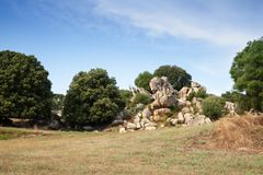 Θερινό τοπίο Filitosa, megalithic περιοχή στοκ φωτογραφία με δικαίωμα ελεύθερης χρήσης