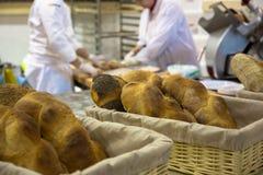 Θερμά ολόκληρα ψωμιά σιταριού Στοκ Εικόνα