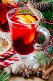 Θερμαμένα Χριστούγεννα κρασί και καρυκεύματα διάνυσμα καρτών απεικόνισης Χριστουγέννων eps10 Στοκ φωτογραφία με δικαίωμα ελεύθερης χρήσης