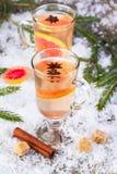 Θερμαμένο κρασί από το άσπρο κρασί Στοκ φωτογραφίες με δικαίωμα ελεύθερης χρήσης