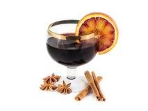 Θερμαμένο κρασί με τα καρυκεύματα Στοκ Εικόνα