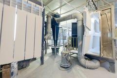 Θερμαντικά σώματα θέρμανσης συνελεύσεων και ζωγραφικής στην κατασκευή Στοκ φωτογραφίες με δικαίωμα ελεύθερης χρήσης