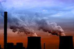 Θερμικός σταθμός παραγωγής ηλεκτρικού ρεύματος Στοκ Φωτογραφίες