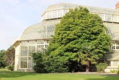 Θερμοκήπιο σε έναν βοτανικό κήπο στοκ εικόνες με δικαίωμα ελεύθερης χρήσης