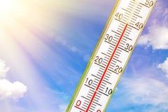 Θερμόμετρο στον ήλιο Στοκ φωτογραφία με δικαίωμα ελεύθερης χρήσης