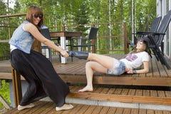 θηλυκές δύο νεολαίες Στοκ εικόνες με δικαίωμα ελεύθερης χρήσης