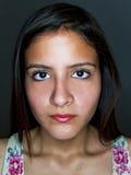 θηλυκές ελαφριές νεολαίες δαχτυλιδιών πορτρέτου Στοκ φωτογραφίες με δικαίωμα ελεύθερης χρήσης