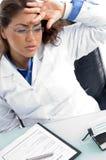 θηλυκή ένταση γιατρών Στοκ Εικόνες