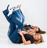 θηλυκή διασκέδαση φίλων π Στοκ εικόνα με δικαίωμα ελεύθερης χρήσης