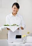 θηλυκή σερβιτόρα Στοκ φωτογραφίες με δικαίωμα ελεύθερης χρήσης