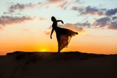 Θηλυκοί χοροί χορευτών Στοκ Φωτογραφία