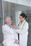 θηλυκός ασθενής γιατρών Στοκ Φωτογραφία