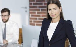 Θηλυκός διευθυντής στον εργασιακό χώρο Στοκ εικόνα με δικαίωμα ελεύθερης χρήσης