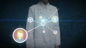 Θηλυκός επιστήμονας, μηχανικός σχετικά με το ανθρώπινο εικονίδιο, συνδέοντας άνθρωποι, επιχειρησιακό δίκτυο κοινωνικό εικονίδιο υ απεικόνιση αποθεμάτων