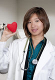 Θηλυκός καρδιολόγος στοκ εικόνα με δικαίωμα ελεύθερης χρήσης