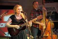 Θηλυκός κιθαρίστας Στοκ φωτογραφίες με δικαίωμα ελεύθερης χρήσης