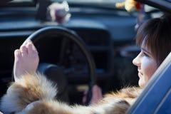 Θηλυκός οδηγός στο αυτοκίνητό της Στοκ εικόνα με δικαίωμα ελεύθερης χρήσης