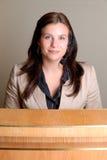 θηλυκός ρεσεψιονίστ Στοκ φωτογραφία με δικαίωμα ελεύθερης χρήσης