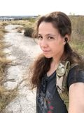 Θηλυκός στρατιώτης και earbuds Στοκ φωτογραφία με δικαίωμα ελεύθερης χρήσης