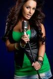 θηλυκός τραγουδιστής στοκ φωτογραφίες με δικαίωμα ελεύθερης χρήσης