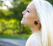 θηλυκό δέρμα χαλάρωσης μα&l Στοκ φωτογραφία με δικαίωμα ελεύθερης χρήσης