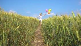 Θηλυκό με τα μπαλόνια που στον τομέα φιλμ μικρού μήκους
