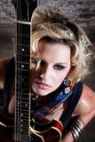 Θηλυκό πανκ rocker στοκ φωτογραφίες με δικαίωμα ελεύθερης χρήσης