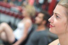 Θηλυκό που περιμένει τη συνέντευξη στοκ φωτογραφία με δικαίωμα ελεύθερης χρήσης