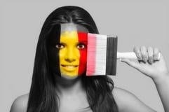 Θηλυκό στα εθνικά χρώματα του Βελγίου Στοκ φωτογραφίες με δικαίωμα ελεύθερης χρήσης