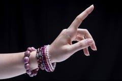 Θηλυκά βραχιόλια χεριών Στοκ Εικόνες