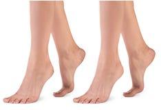 Θηλυκά πόδια με τις ρωγμές Στοκ Εικόνες