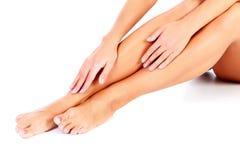 θηλυκά πόδια χεριών Στοκ Εικόνα