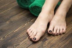 Θηλυκά πόδια pedicure Στοκ Φωτογραφία