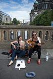 Θηλυκοί μουσικοί οδών Στοκ φωτογραφία με δικαίωμα ελεύθερης χρήσης