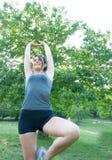 Θηλυκός αθλητής στο πάρκο στοκ εικόνες με δικαίωμα ελεύθερης χρήσης