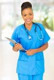 Θηλυκός αφρικανικός ιατρικός επαγγελματίας στοκ εικόνα