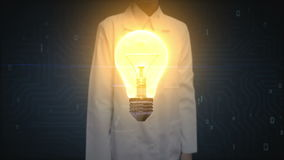 Θηλυκός γιατρός, ερευνητής σχετικά με το φως βολβών, που παρουσιάζει έννοια του cIdea απόθεμα βίντεο
