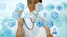 Θηλυκός γιατρός που χρησιμοποιεί το στηθοσκόπιο στα ιατρικά διανυσματικά εικονίδια φιλμ μικρού μήκους