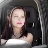 Θηλυκός οδηγός στο αυτοκίνητο Στοκ Εικόνες