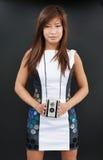 Θηλυκό με τη κάμερα ταινιών στοκ εικόνα