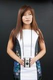Θηλυκό με τη κάμερα ταινιών στοκ εικόνα με δικαίωμα ελεύθερης χρήσης