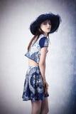 Θηλυκό μόδας με τα θερινά ενδύματα Στοκ Φωτογραφία
