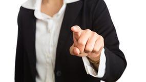 Θηλυκό χέρι της επιχειρησιακής γυναίκας που δείχνει το δάχτυλο στη κάμερα Στοκ φωτογραφία με δικαίωμα ελεύθερης χρήσης