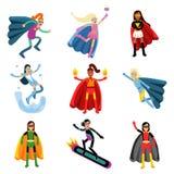 Θηλυκό superheroes στο διαφορετικό σύνολο κοστουμιών ζωηρόχρωμων διανυσματικών απεικονίσεων Στοκ Εικόνες
