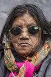Θιβετιανές βουδιστικές ηλικιωμένες γυναίκες στο μοναστήρι Hemis Ladakh, βόρεια Ινδία στοκ εικόνα